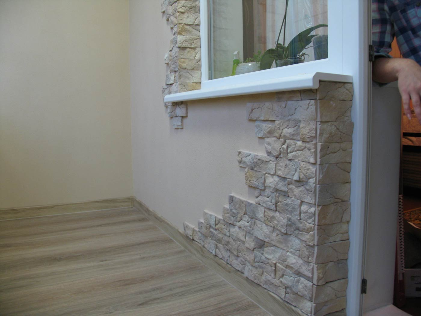 Декоративный камень на балкон