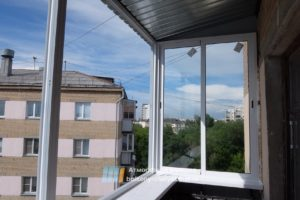 Монтаж алюминиевого балкона