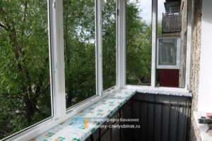 Монтаж балкона из пластика