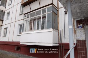 Старый балкон