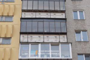 Старый железный балкон