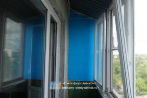 Балкон без обшивки