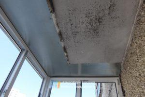 Закрыть щели на балконе