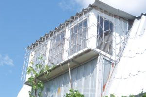 Остекление балкона в дачном домике