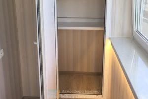 Шкаф во весь балкон