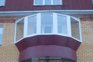 Остекление круглого балкона