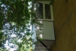 Балкон сбоку