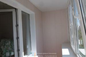 Обшивка на балконе панелями