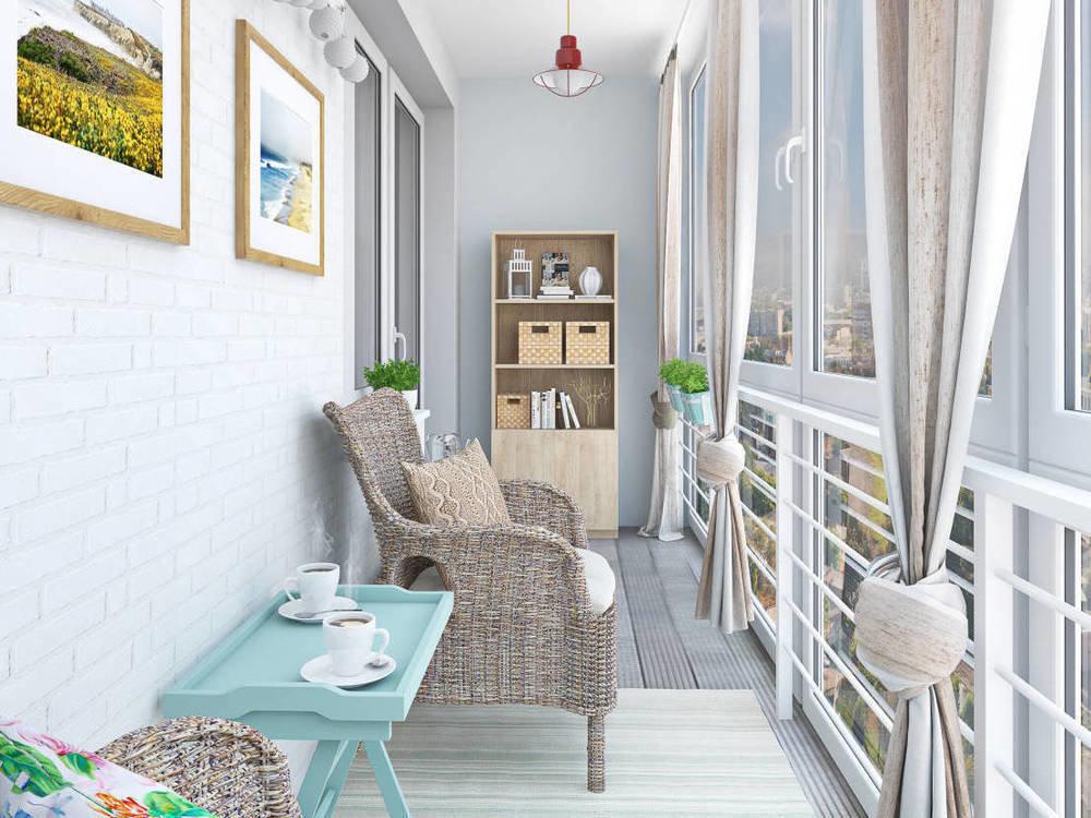Уютная отделка балкона